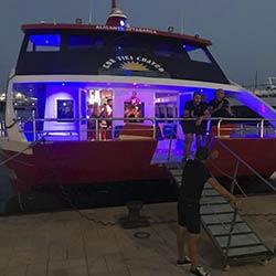 imagen de Nochevieja en Barco en Alicante, Fiesta en Barco + La Plata + Baccus + Callejón