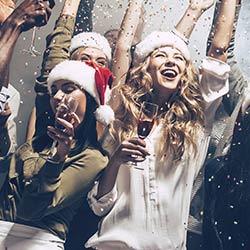 imagen de Nochevieja en Barco en Alicante, Cena en Barco + Fiesta en  Barco + Discoteca Club