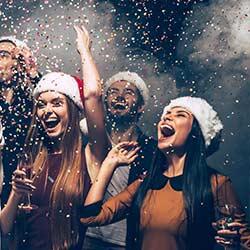 imagen de Nochevieja en Elche, Cena de gala + Entrada Discoteca + 2 Copas + Alojamiento